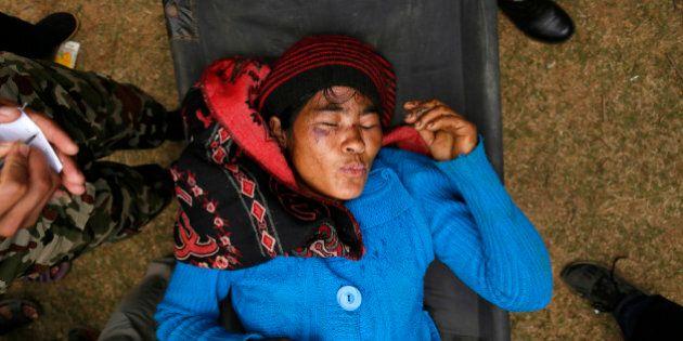 Nepal, polemiche sui soccorsi: