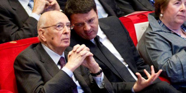 Pressing di Renzi su Napolitano affinché resti fino a maggio: allarme palude sul voto per il