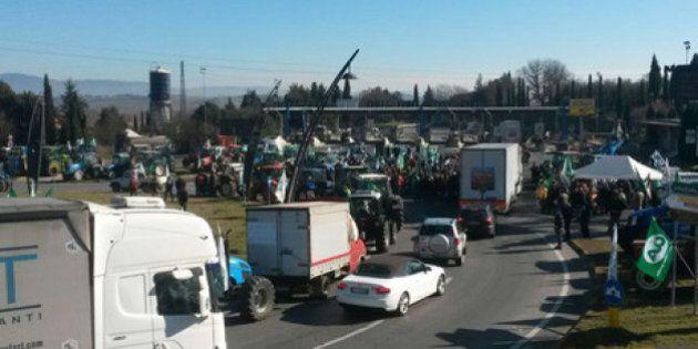 Autostrada Tirrenica, l'arroganza del Governo e l'indifferenza alle proteste dei