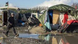 Calais, i bulldozer possono aspettare: rinviato lo