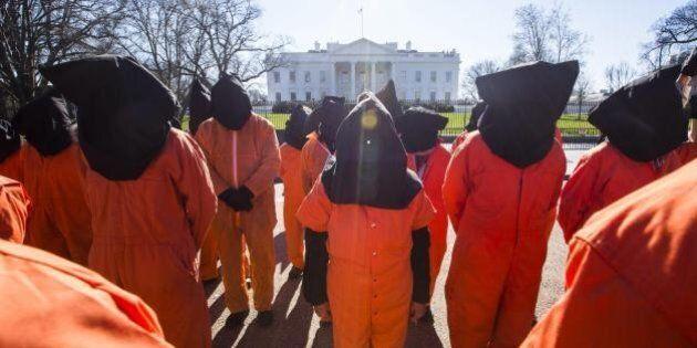 Casa Bianca indica 13 strutture per sostituire Guantanamo. Il piano di Obama per chiudere il carcere...