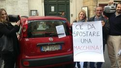 Roma, Marino sostiene l'uso del car sharing dopo il