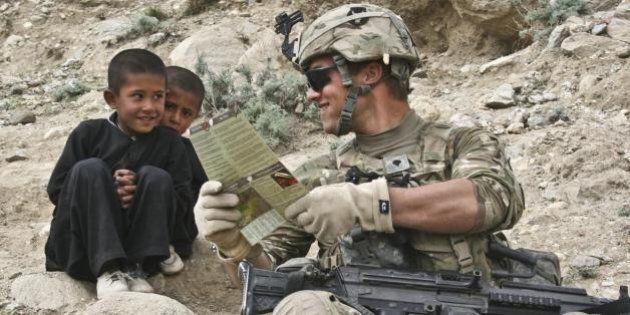 I comandanti afghani abusano sessualmente dei bambini. La denuncia di un soldato