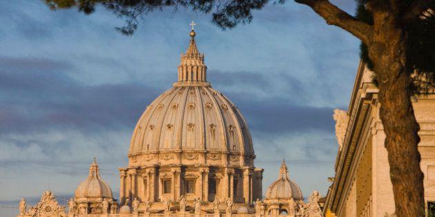 Assistente di papa Francesco trovata morta, aveva una relazione con un addetto alla sicurezza del