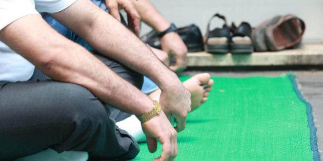 La Consulta boccia la legge lombarda sulle moschee. Maroni: