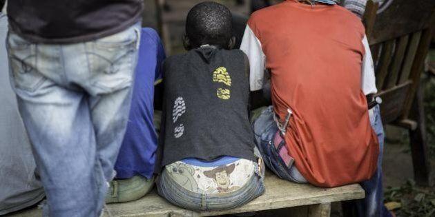 Francia, 14 soldati accusati di abusi su minori nella Repubblica Centrafricana. Hollande: