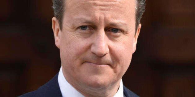 David Cameron, i segreti giovanili del premier britannico nella biografia scandalo