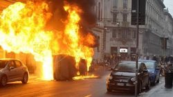 Milano brucia nel giorno dell'Expo. Auto in fiamme, vetrine rotte e 10 agenti