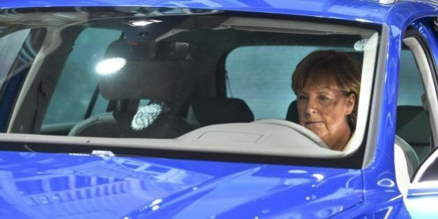 Volkswagen, l'immagine di Angela Merkel