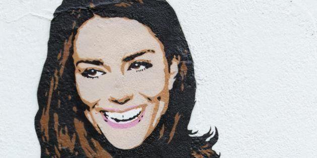 Kate Middleton nuda e col pancione, ma è solo un graffito. L'opera di un writer a Londra