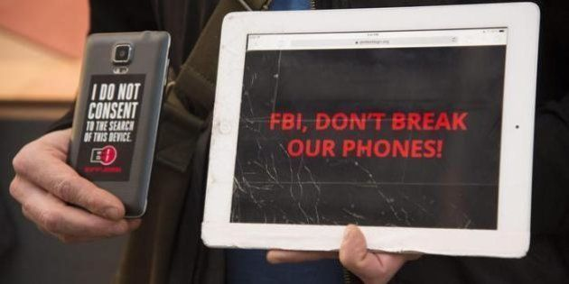 Apple-Fbi, la Mela alza il tiro: