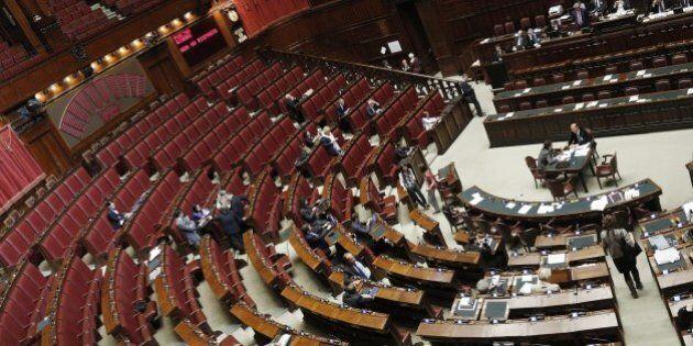 Italicum, approvata la nuova legge elettorale: 334 sì, 61 no. Le opposizioni scelgono l'Aventino