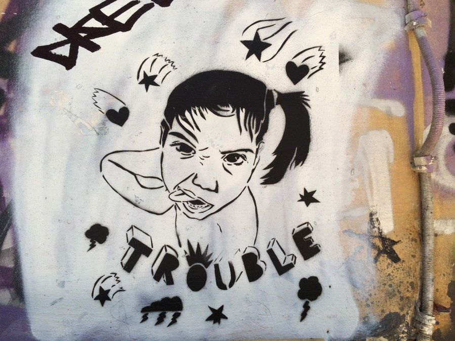 La Grecia in crisi raccontata dai suoi graffiti. 18 immagini da non perdere per capire l'inquietudine...