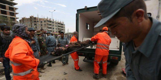 Kabul: assalto al Parlamento nel cuore della città. L'incapacità delle forze armate afghane di controllare...