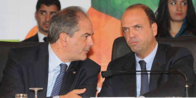 Giuseppe Castiglione, il Pd pronto a salvarlo. I Dem voteranno contro le mozioni