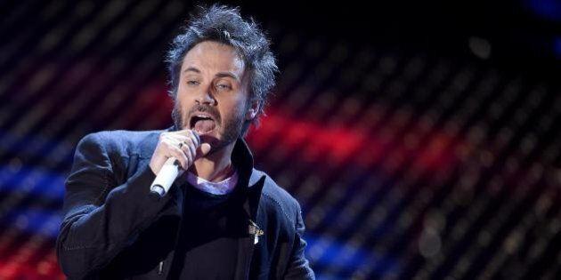 Sanremo 2015: terza serata. I big cantano gli autori del passato. Tra gli ospiti Luca e Paolo