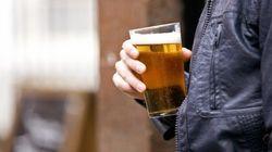 Tempi duri per i bevitori d'Inghilterra: Cameron promette la cavigliera della