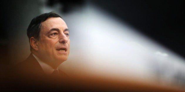 Mario Draghi vede minacce per la ripresa dell'area euro.