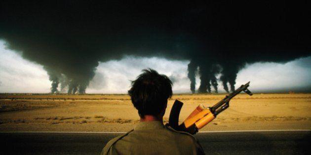 Petrolio in calo, la guerra al contrario dell'oro nero. Le mosse dei sauditi per fermare Usa, Russia...