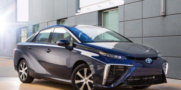 Auto a idrogeno; Toyota lancia la Mirai, da dicembre in commercio in Giappone. Potrà fare 650 km con...