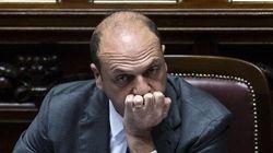 M5S presenta mozione di sfiducia contro Alfano