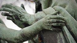 Il ritorno di Jaeggy e delle sue statue fondate
