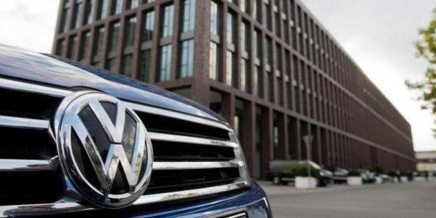 La Volkswagen tentò di ammorbidire la legge europea sulle emissioni tramite la coalizione di Angela