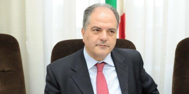 Cara Mineo, Giuseppe Castiglione si difende e chiama in causa il prefetto Gabrielli: