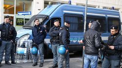 Polizia denuncia sindacalista per aver mostrato in tv giubbotti e caschi