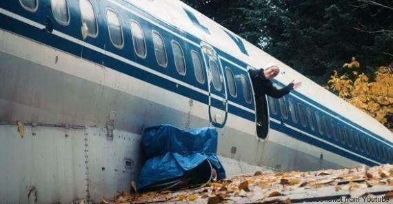 Bruce Campbell, il pensionato americano che vive in un Boeing 727