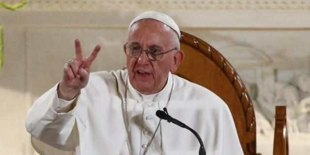 Papa Francesco salta il pranzo con i politici per unirsi ai senzatetto di Washington