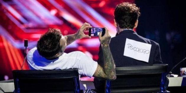 X Factor 9, ultime audizioni. Mika diventa Freud, i giudici ballano la mazurka, gli Iron Mais piacciono...