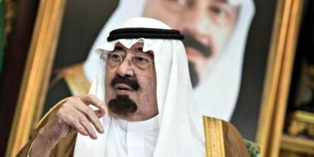 Arabia Saudita, uomo condannato a 10 anni di prigione e 2mila frustate per aver espresso il suo ateismo...