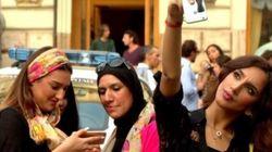 20 ritratti di passanti per celebrare le donne. Il contest