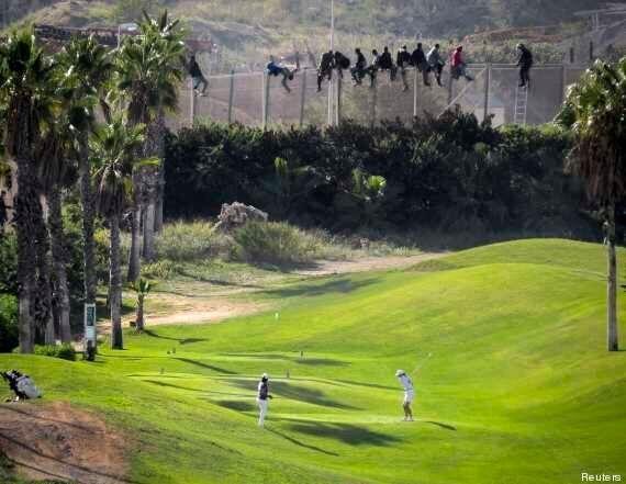 Immigrazione, la storia di Abou, 8 anni, nascosto in una valigia per passare la frontiera a Ceuta