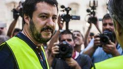 Dopo le ruspe la difesa dei poliziotti: Salvini rafforza la sua leadership nel