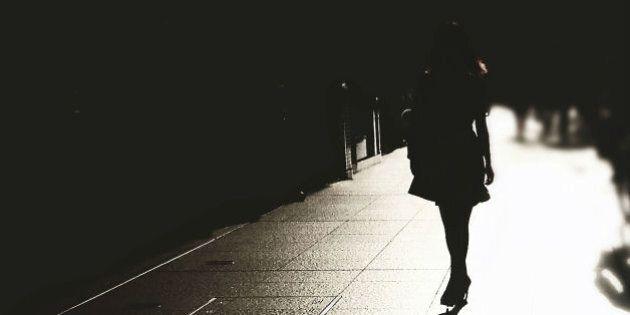 34 misure che le donne adottano per sentirsi più al sicuro e che dimostrano quanto sia faticoso