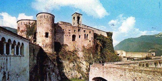 Storia della provincia apuana. Quella terra bianca, bella e