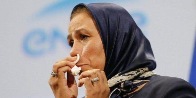 Donna col velo fischiata a parlamento di Parigi. E' mamma di un soldato ucciso dal terrorista di