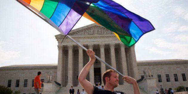 Matrimonio gay in tutti gli Stati Uniti, storica sentenza della Corte Suprema: è diritto garantito dalla