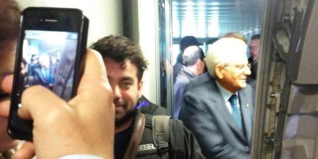 Sergio Mattarella a Palermo sul volo di linea. È la prima volta per un capo di Stato. Alitalia twitta:...