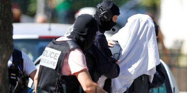 Attentato Francia, Yassin Salhi confessa l'omicidio ma si difende: