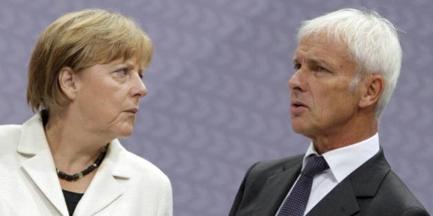 Scandalo Volkswagen, Angela Merkel usa il pugno duro: class action dal
