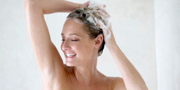 Salute dei capelli, 10 errori da non fare quando fai lo shampoo