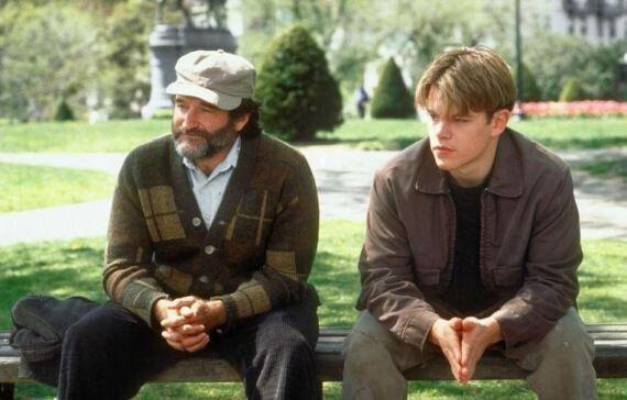 Robin Williams, la panchina di Will Hunting diventa un monumento. Migliaia di messaggi dei fan (FOTO,