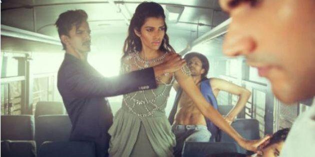 The Wrong Turn: il fotografo di moda Ray Shetye mette in scena gli stupri di gruppo in India, e parte...