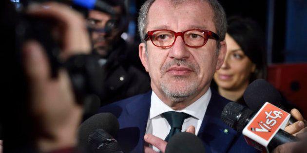 Maroni sperimenterà reddito di cittadinanza in Lombardia: