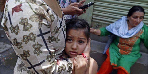 Terremoto in Nepal, nuova forte scossa. Il terrore della popolazione in fuga