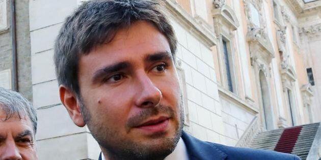 Banche: Di Battista, da M5S mozione sfiducia per