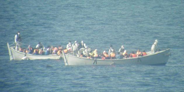 Immigrazione, fonti Ue: l'Italia propone di ospitare la sede della missione e indica come capo l'ammiraglio...